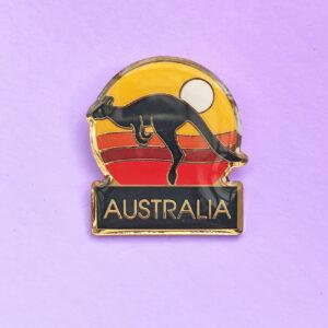 Kangaroo sunset hat pin