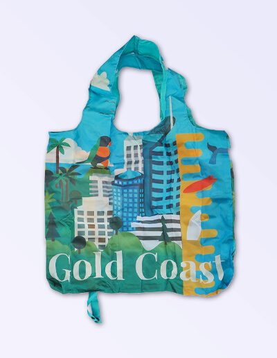 Foldable strong shopping bag printed with illustrations of Australian icons. Made with polyester.