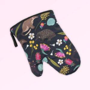 Single oven mitt with the fabric design of Australian nocturnal animals