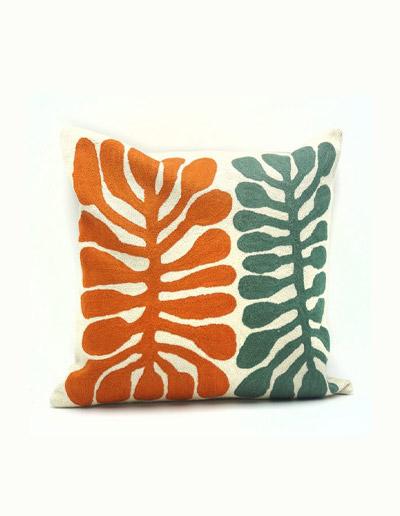 MNA330 Medium 40cm wool cushion