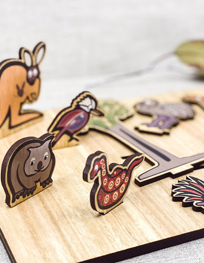 a close up view of the Australian animal wood puzzle