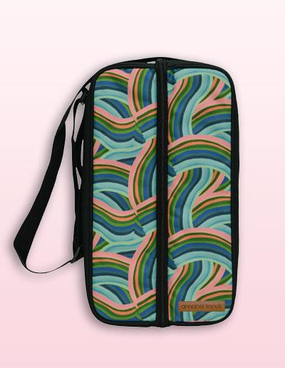 Curved lines bottle bag